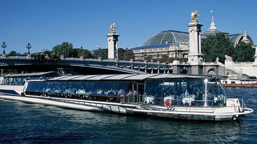Bateaux Parisiens - Déjeuner Croisière bateau vitré